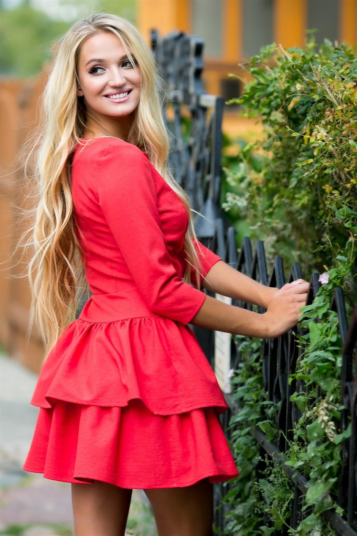 72-01 Красное платье - фото 6925